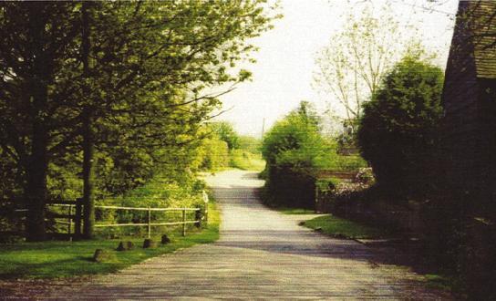 Kiln Lane at end of paved road